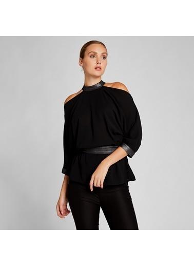 Vekem-Limited Edition Omuzları Açık Sim Detaylı Bluz Siyah
